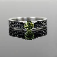 Серебряное кольцо с перидотом от WickerRing