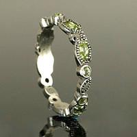 Обручальное кольцо с перидотом от WickerRing