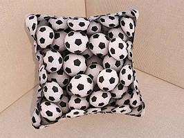 Подушки с фото футбольные мячи