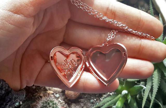 кулон с фото розовое сердце