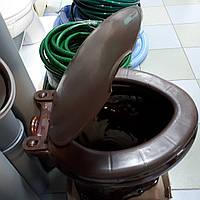 Сиденье с крышкой коричневое, овальное пластмассовое