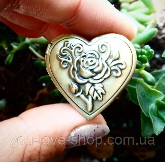 медальон для фото бронзовый с цветами в форме сердца