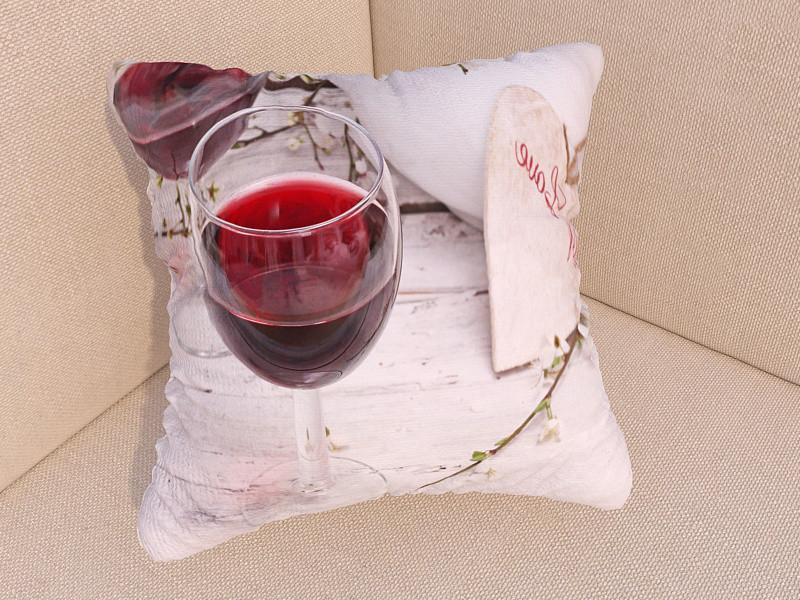 Фотоподушки бокал вина