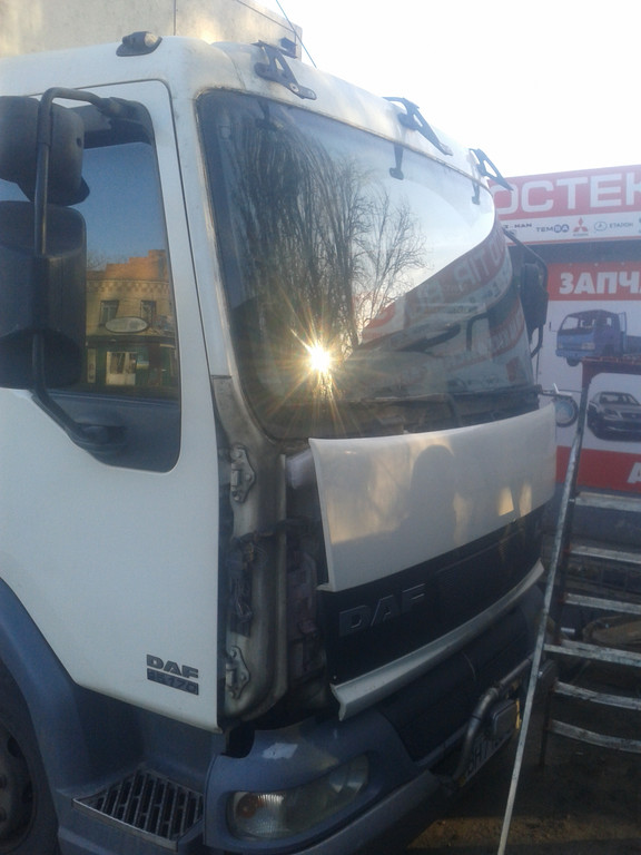 Замена лобового стекла на грузовике DAF LF 45 в Никополе