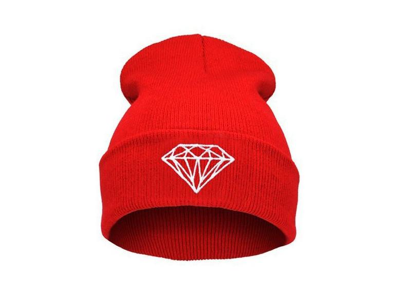 Шапка красная Diamond с алмазом