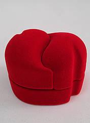 Футляр два сердца для кольца красный бархатный 074