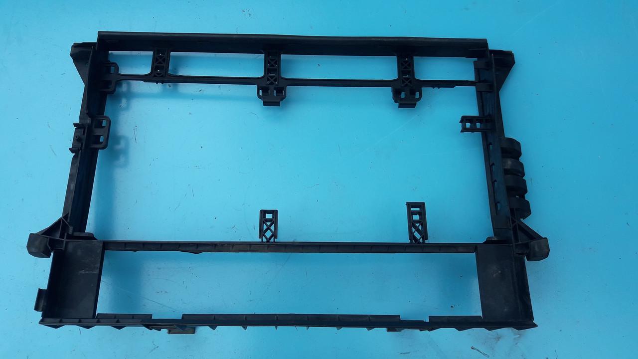 Рамка кассета радиаторов бмв е38 е39 м47 м57 bmw e39 e38 m47 m57 17112247356 171122473569 оригинал бу