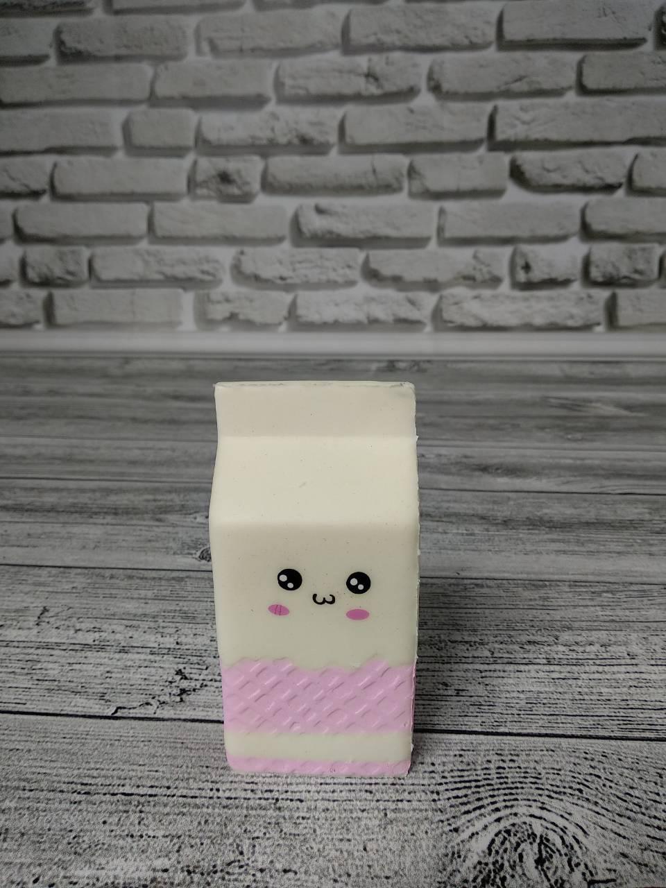 Анти-стрессовая игрушка «Сквиши-молоко няшка»