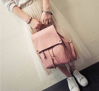Модный рюкзак с клапаном на затяжке