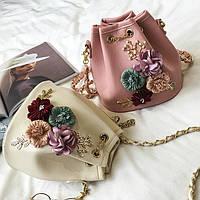 Мини сумочка через плечо с шикарными цветами