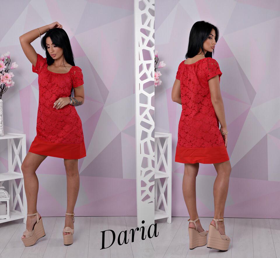 Кружевное платье с коротким рукавом и спущенным плечом 55031716