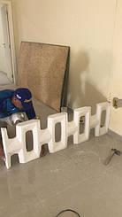 """Первый ряд блоков """"Окна"""" в жилом доме клиента."""