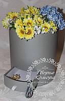 Коробка для цветов с ящиком для подарка круглая, серая Размер: 22х24 см