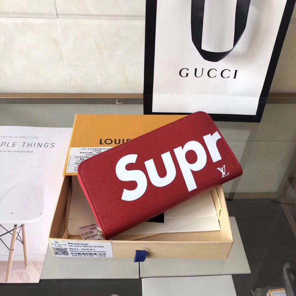 6c98a2c1b5fc Кошелёк SUPREME от Louis Vuitton из Китая высокого качества от ...