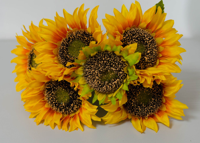 Букети штучних квітів