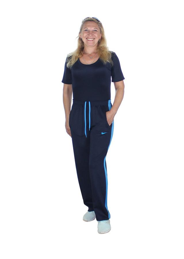 женские спортивные брюки с голубыми лампасами