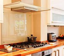 Кухонный фартук из прозрачного стекла