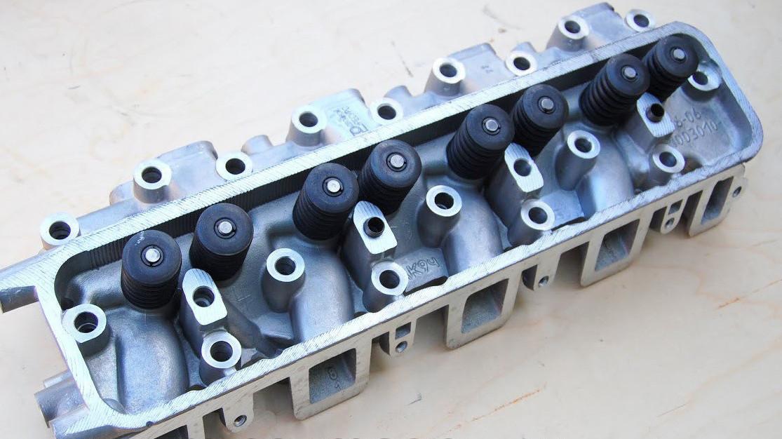 Головка блока цилиндров (ГБЦ 66-06-1003007-90) с клапанами ЗМЗ, Россия