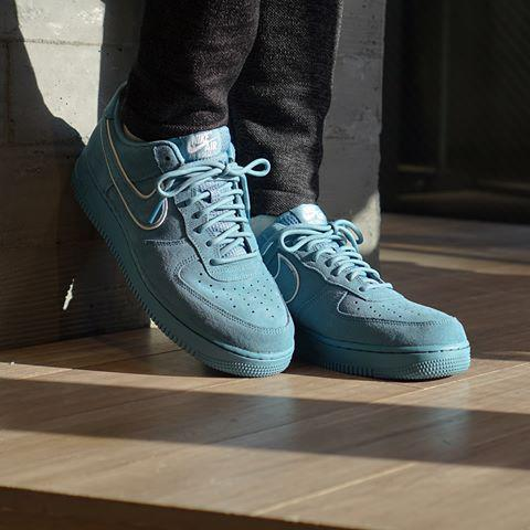 Кроссовки Nike Air Force 1 07 LV8 AA1117-400 (Оригинал)