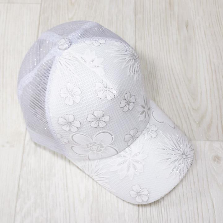 Кепка белая белые цветы сетка 501-04
