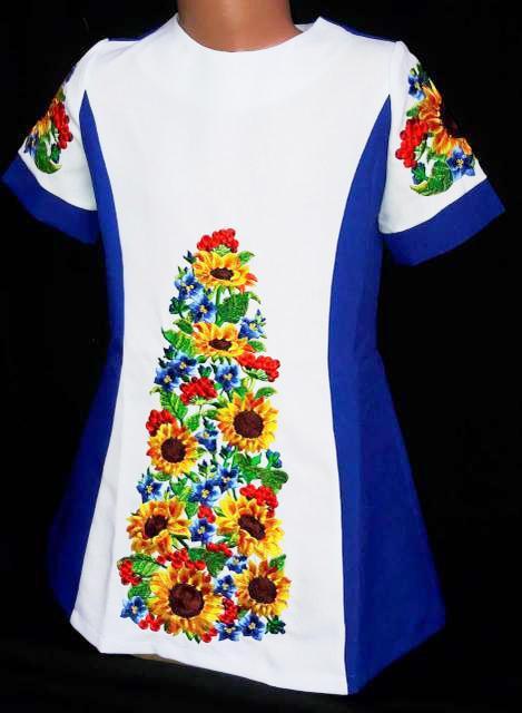 Вышитое  платье для девочки 116-134