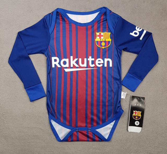 Одежда футбольногоклуба милан