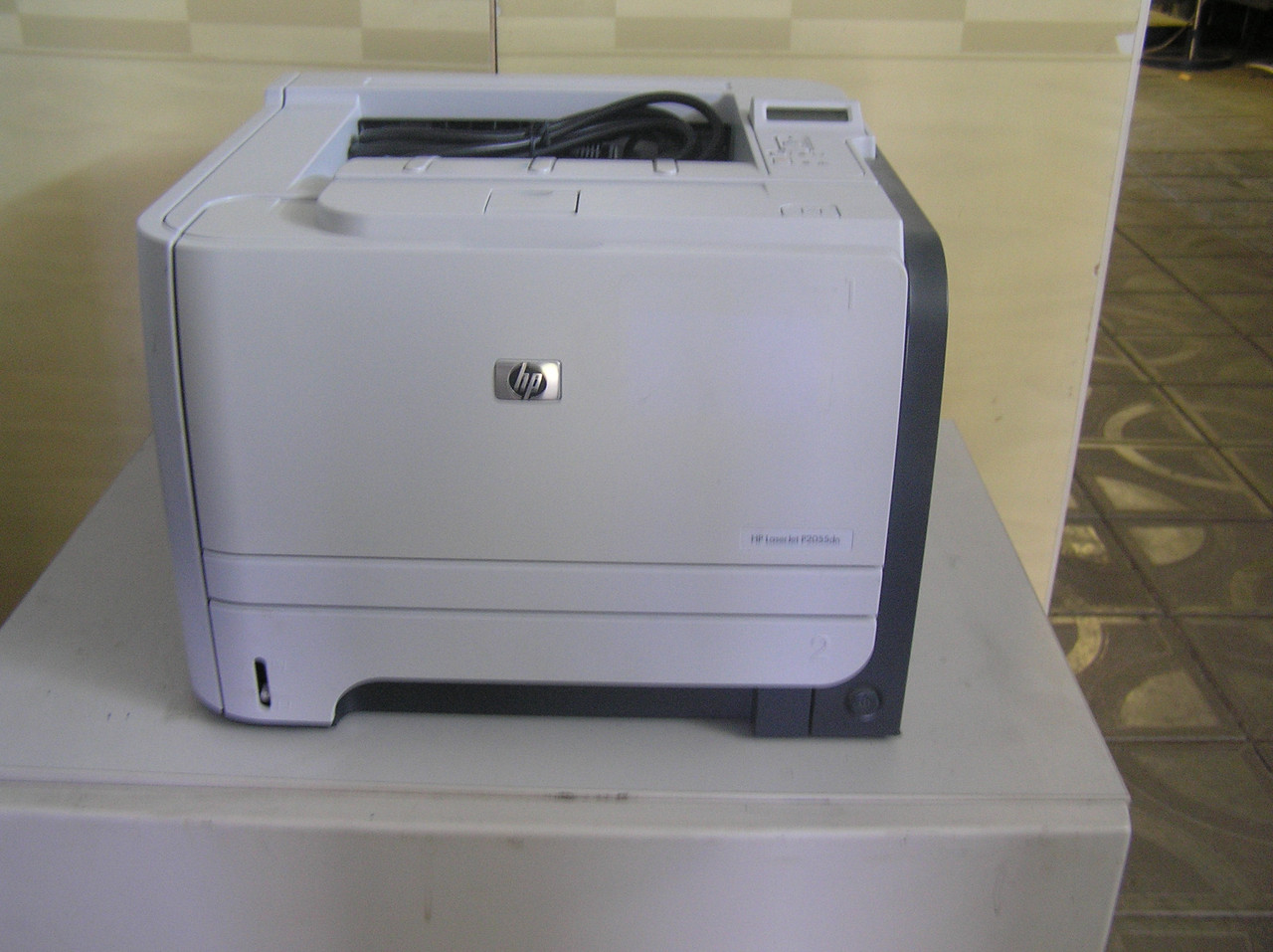 Принтер бо HP 2055