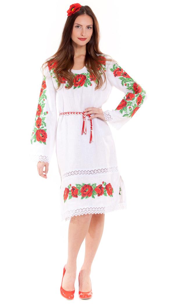 женское вышитое платье из натурального льна