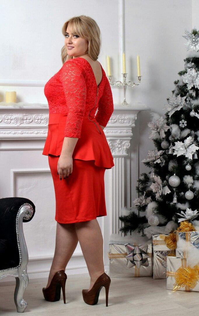 990e517436139e6 Нарядное и очень красивое гипюровое платье с баской большого размера 50-54  короткое до колена