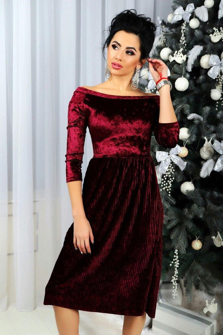 Красивое нарядное платье бархатное плиссе ниже колена бордо -
