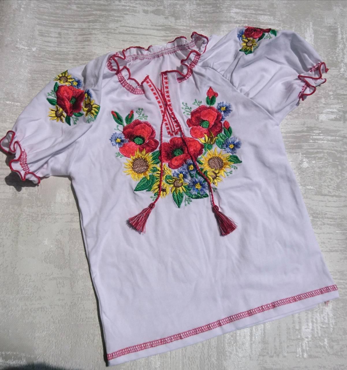 Детская трикотажная вышиванка с коротким рукавом для девочки 30-40 р.