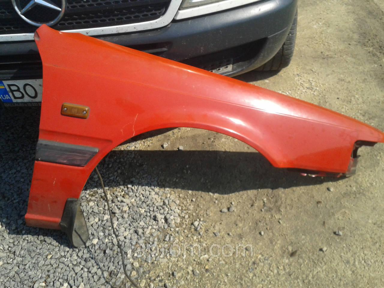 Крыло переднее правое Mazda 626 GD 1987-1991г.в. красное