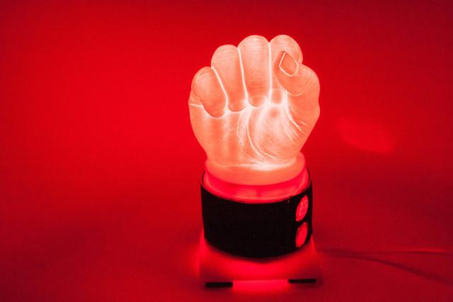 Как сделать светильник в виде Кулака из пластика своими руками часть 2