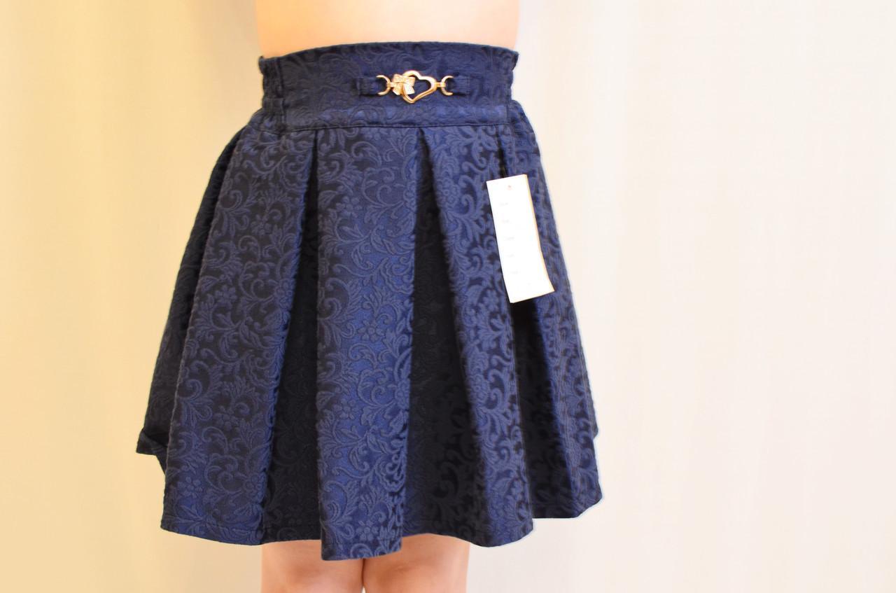 Стильная черная школьная юбка на девочку из жаккардовой ткани.