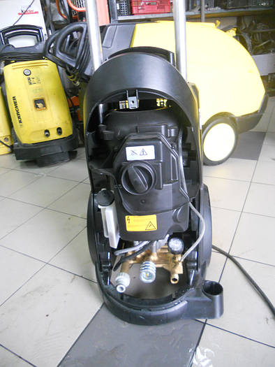 Б/у аппарат высокого давленя Karcher HD 10/25