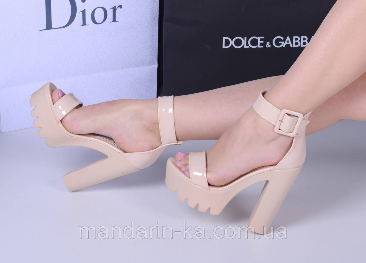 Женские  босоножки светло  бежевые ремешок каблук 13 см