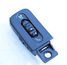 Кнопка переключатель вентиляции Рено Лагуна 1. Левая. 77008228440. Б.У