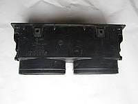 191 819 701B Дефлектор воздуховода обдува средний, фото 1