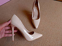 Женские классические туфли лодочки бежевые лаковые на шпильке 40 размер