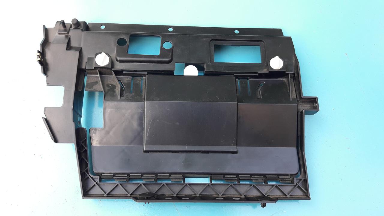 Накладка бардачка нижняя крышка блока предохранителей бмв е39 BMW E39 51168186913 51168159711