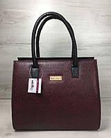98a7af5b8d6d Женская сумка Бочонок черного цвета со вставкой бордовая змея