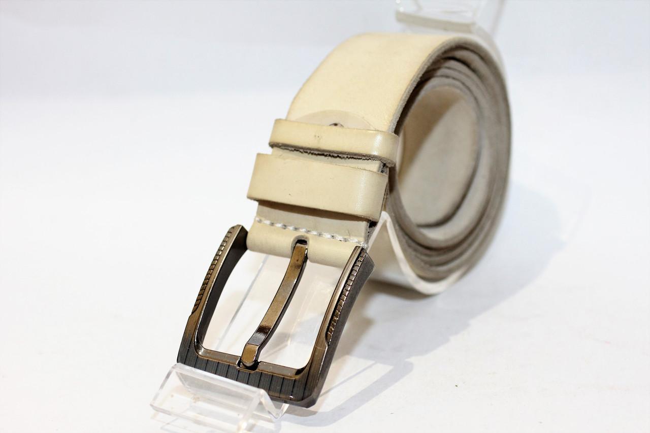 Кожаный джинсовый ремень с классической пряжкой.(12618)