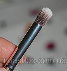 Кисть Кабуки для нанесения теней EVERYDAY MINERALS Eye Kabuki Junior, фото 2