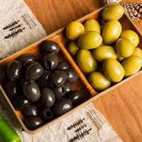 Оливки і маслини – в чому різниця?