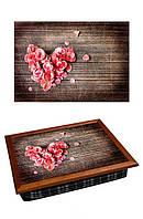 Поднос с подушкой BST 040328 44*36 коричневый сердце из розы лепестков
