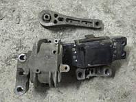 Подушки мотора шкода октавия А5 Skoda Octavia A5