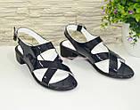 Женские лаковые босоножки на невысоком каблуке , фото 3