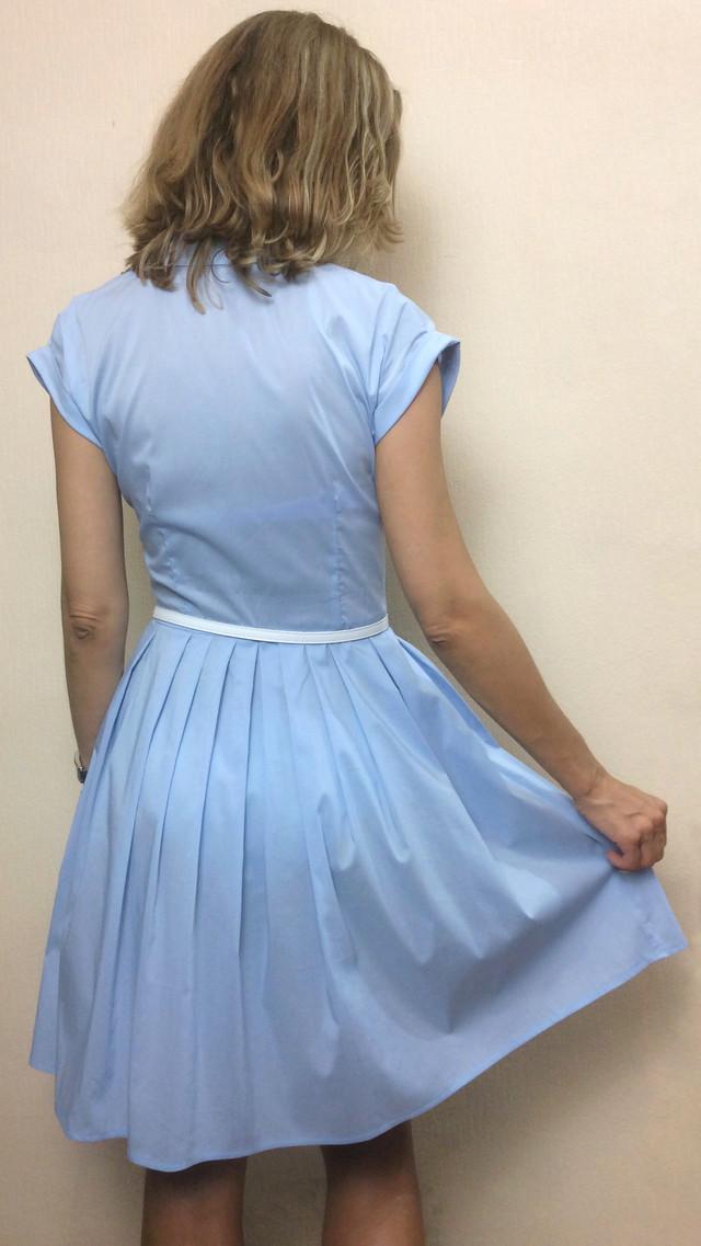 Голубое платье с карманами на пуговицах П89-110