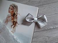 Бутоньєрка для гостей (бант)- срібний колір