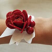 Браслет для подружки невесты роза красная с ягодами